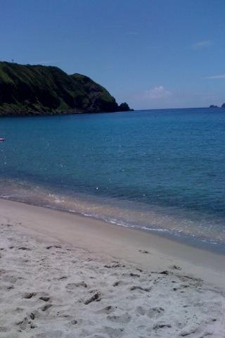 海も空も真っ青