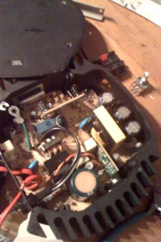 JBLパワーアンプ修理、きょうはライブ